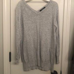 Lulus grey lightweight Vneck collar sweater